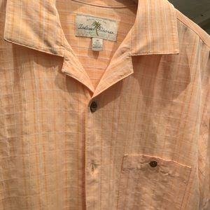 Men's linen shirt sleeve top.